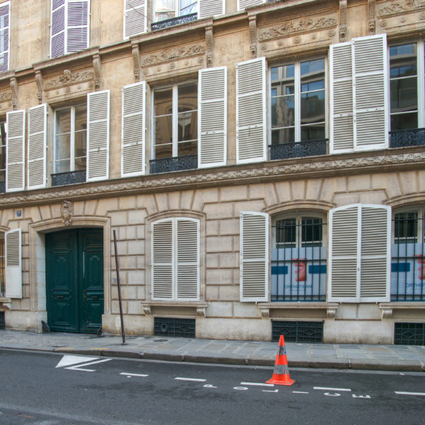 Devanture du Cabinet Dr Séverin Paris 8