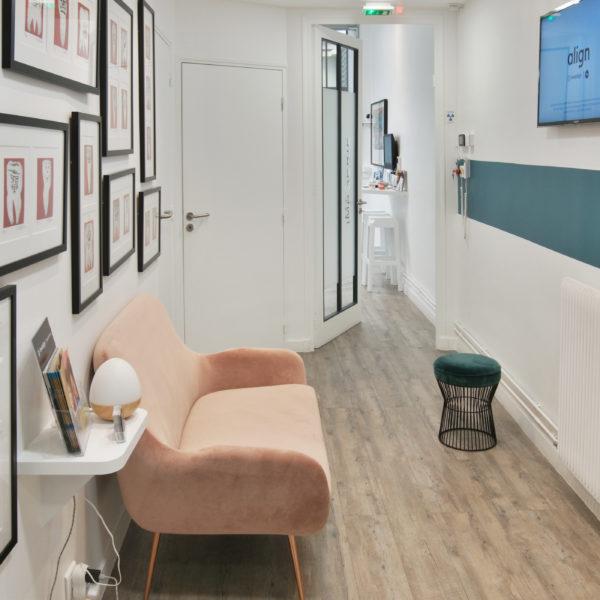 Couloir du cabinet orthodontie Dr Severin